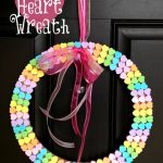 Cute, Inexpensive, and Kid-Friendly Craft: Candy Heart Wreath
