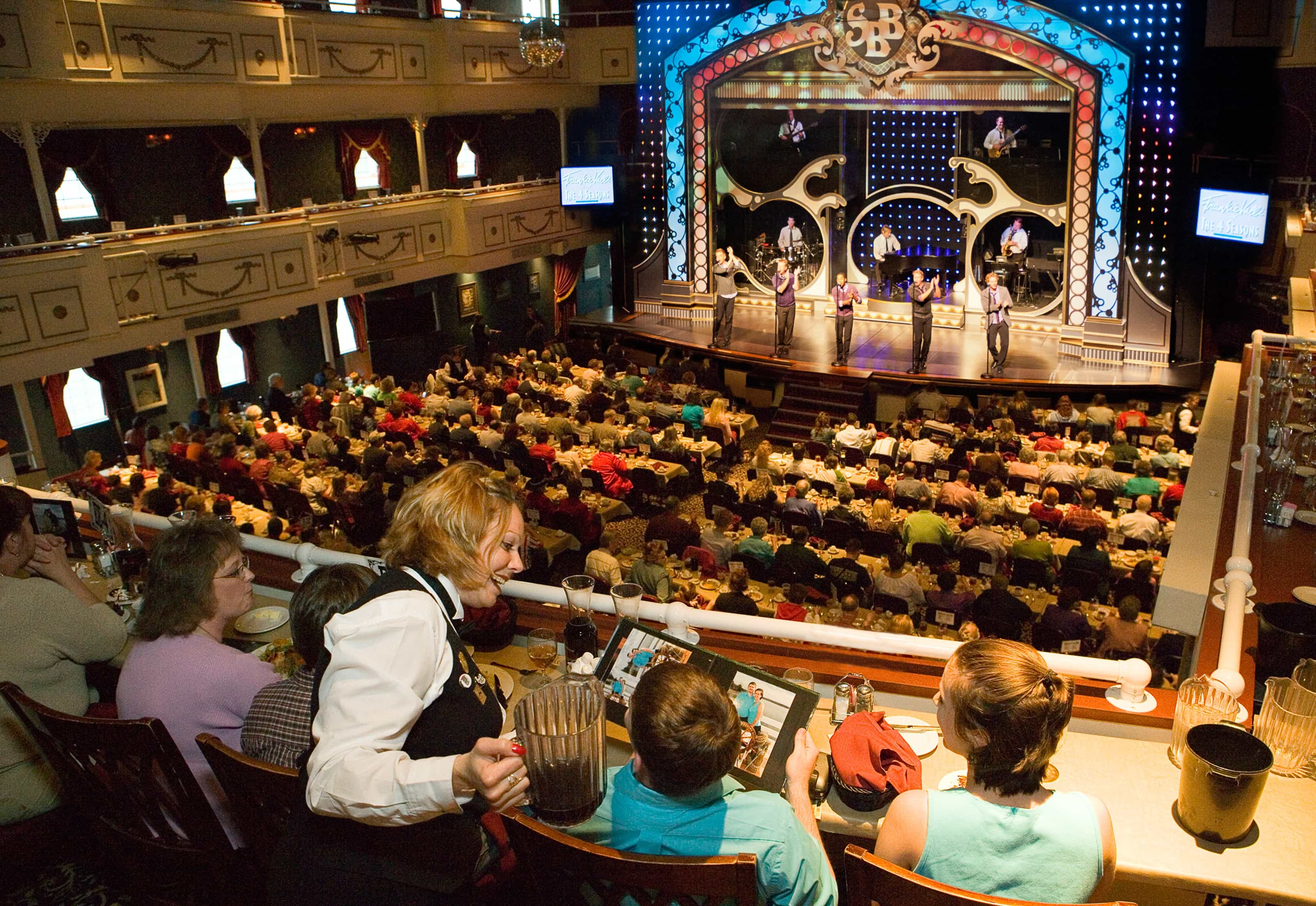 Showboat Branson Belle Theater