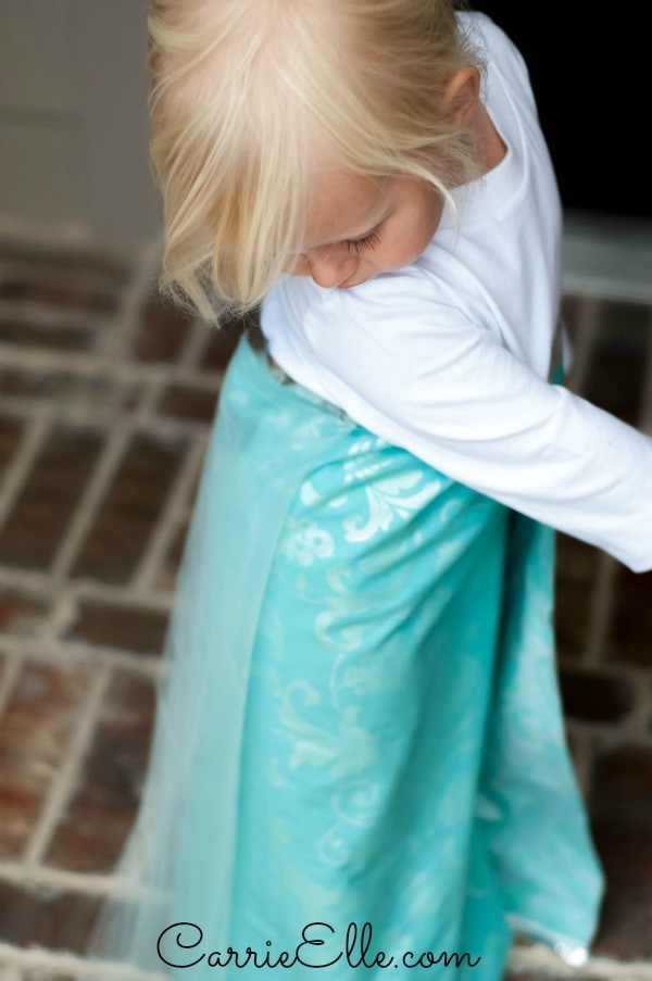 DIY Frozen Costume