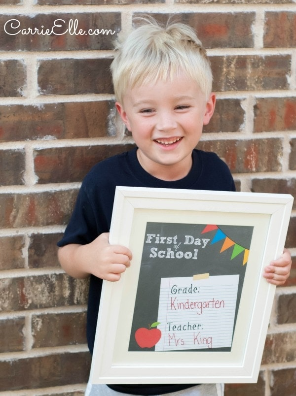 It's just a picture of Tactueux Free Printable First Day of School Signs 2020-2020