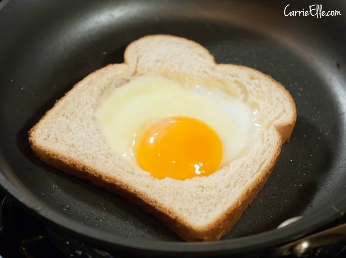 How to Make Egg-in-a-Hole - Carrie Elle