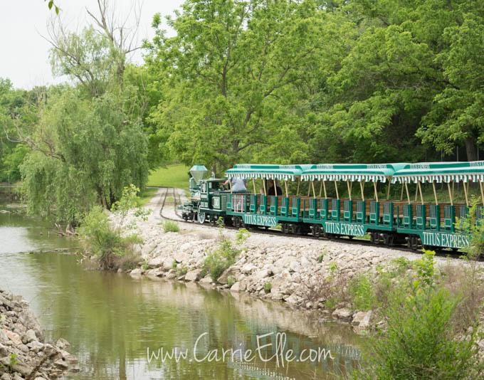Dickerson Park Zoo Train