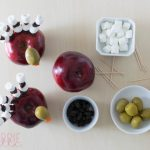 Simple Crafts for Kids: Thanksgiving Apple Turkey