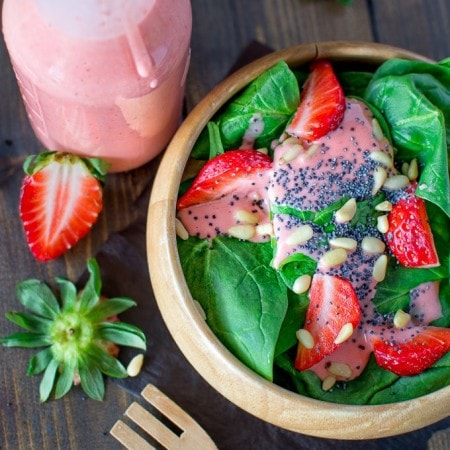 Simple-Spinach-and-Starwberry-Salad-3