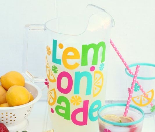 Pitcher-Perfect-Lemonade_Giggles-Galore