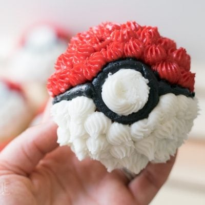 Easy Poké Ball Cupcakes and Printable Pokemon Cupcake Toppers