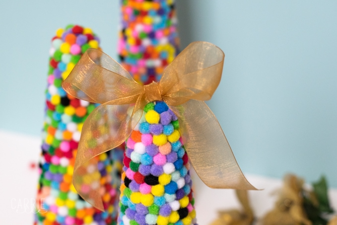 DIY Colorful Pom Pom Christmas Tree