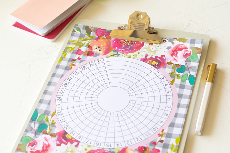 This fun floral buffalo check circular habit tracker is great for keeping track of your progress on multiple tasks, habits, and goals. You can use this floral habit tracker to turn those goals into reality!